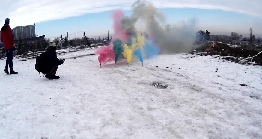چگونه بمب دودزا رنگی بسازیم