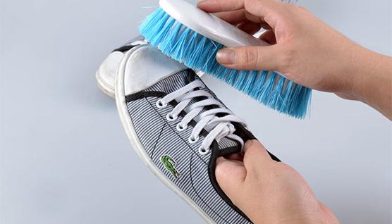 چگونه کفش ها را بشوییم