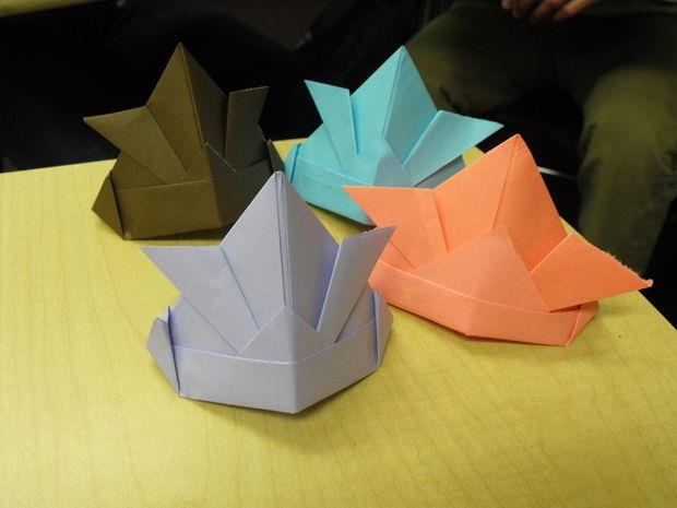 چگونه یک کلاه کاغذی بسازیم