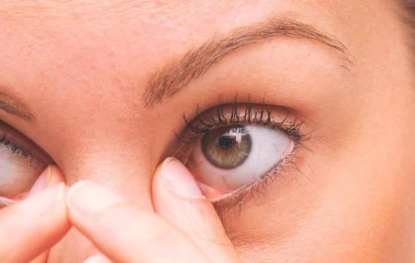 علایم چشمی