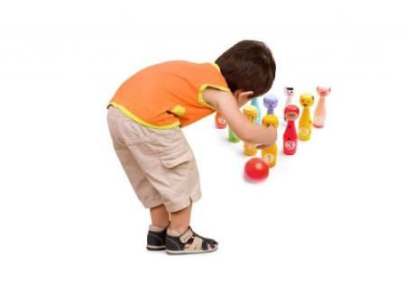 بازی بولینگ خانگی برای کودکان