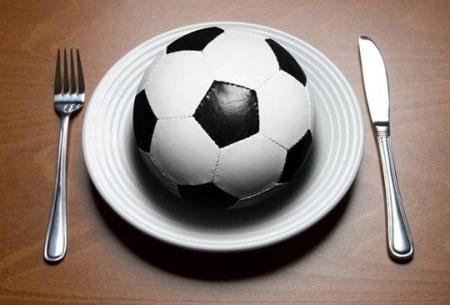 فاکتورهای اساسی برنامه غذایی ورزش فوتبال