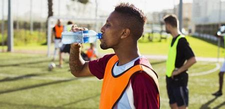 آنچه یک فوتبالیست باید در برنامه غذایی خود بگنجاند