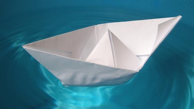 چگونه قایق کاغذی درست کنیم