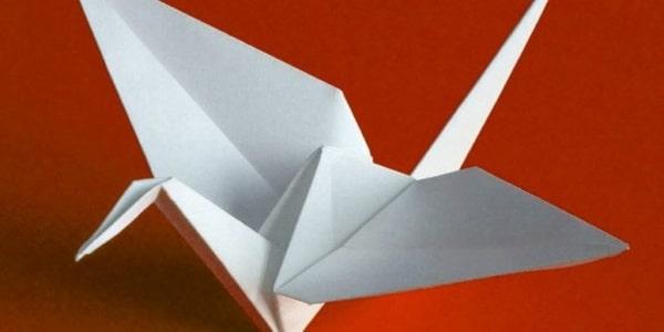 چگونه می توان یک پرنده اوریگامی ساخت که پرمیزند