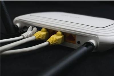 تنظیم مجدد روتر برای رفع مشکل اتصال به اینترنت