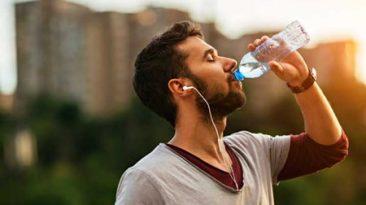 نوشیدن آب برای کاهش وزن