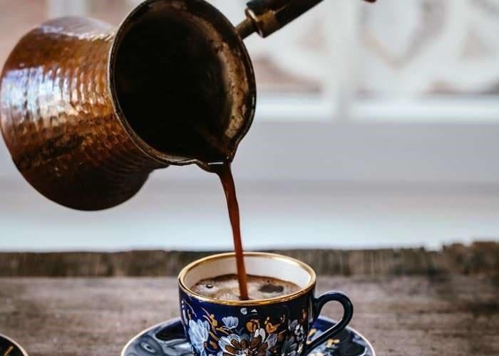 طرز آمادهسازی قهوه مهمت افندی